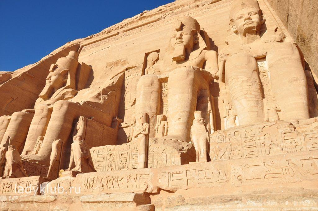 Фестивале солнца вАбу-Симбеле (Abu Simbel Sun Festival)