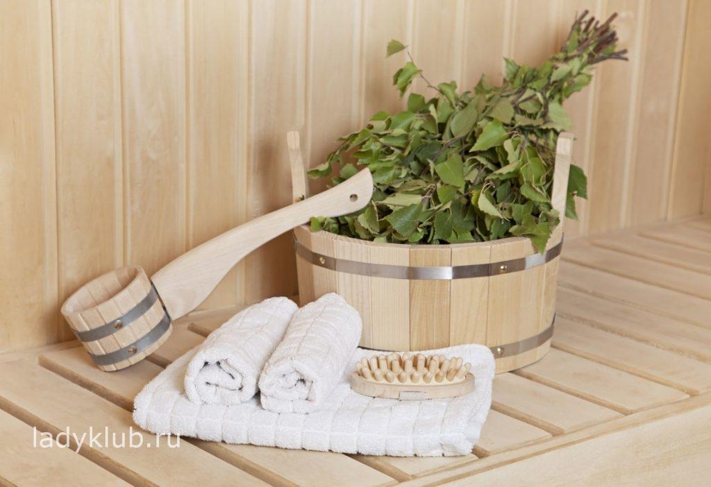 Используйте березовый или дубовый веник