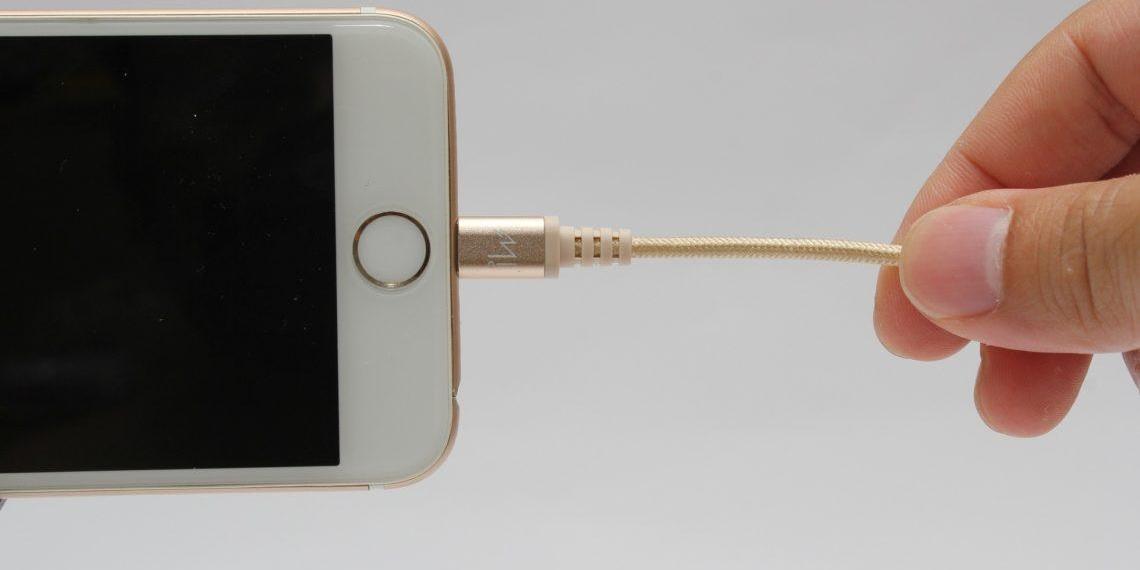 Почему айфон не заряжается