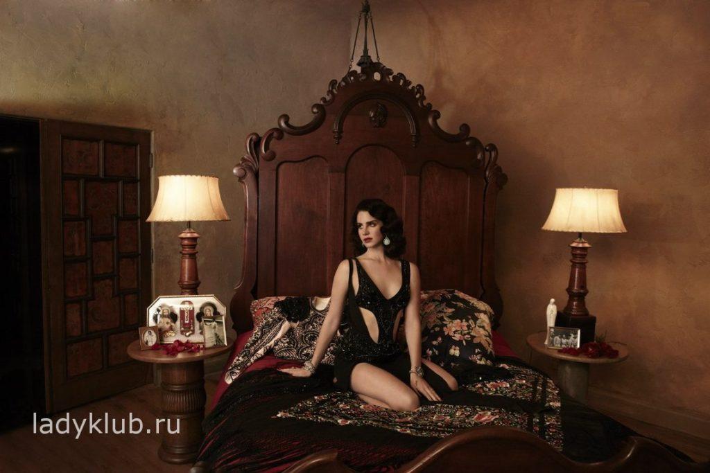 Лана Дель Рей в спальне фото 89
